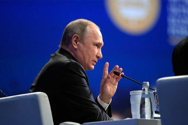 Путин утвердил поправки к Трудовому кодексу