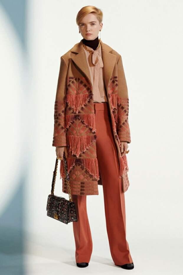 Пальто из коллекции Christian Dior Pre-Fall 2019