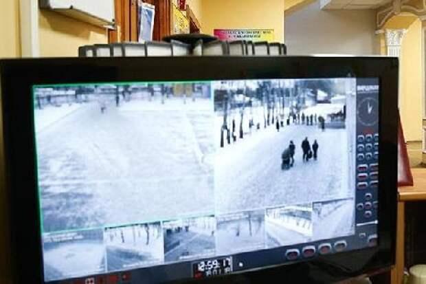 В России усилят охрану школ после стрельбы в Казани