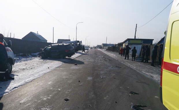 В Туве 13 несовершеннолетних пострадали в ДТП с маршруткой