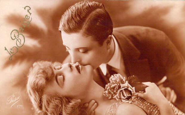 Французские открытки, в которых показано, как романтично целовались в 1920-е годы 15