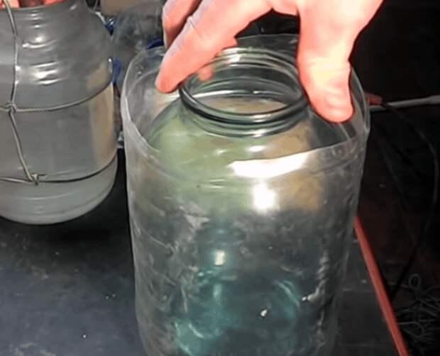 Пластиковая бутылка + стеклянная банка. Результат не убиваемые банки
