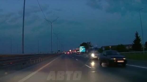 ВТюмени водители наблюдают автомобили навстречной полосе Тобольского тракта