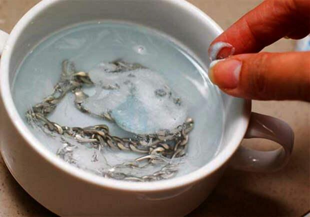 Чистка серебра уксусом и солью.   Фото: You.cleaning.