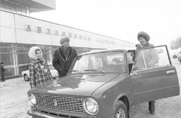 Как обслуживали и чинили машины в СССР. Рассказываю про свой личный опыт