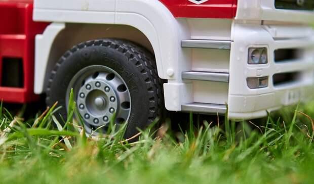 223 владельца авто на газонах оштрафовали в Белгороде за три дня