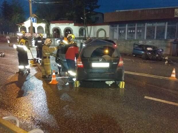 В Симферопольском районе столкнулись 2 машины, погиб 1 человек
