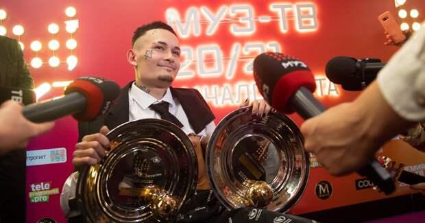 Моргенштерн подарил фанату-инвалиду коляску с премии «Муз-ТВ»