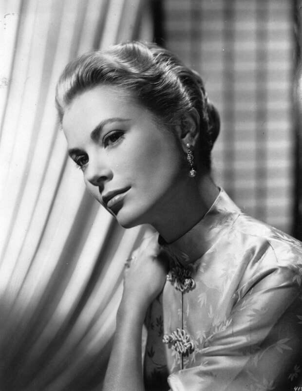 А княгиня Монако знала, что делала: что показал рентгеновский снимок свадебных туфель Грейс Келли
