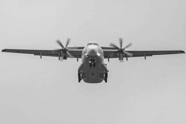 Первый военно-транспортный самолет, полностью разработанный в России в постсоветский период, Ил-112В поднялся в воздух в рамках испытательного полета на Воронежском авиационном заводе