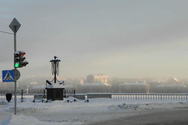 Лежали без движения: двух мужчин спасли со льда Воткинского пруда