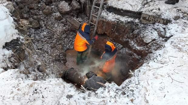 Трое прохожих пострадали и один погиб из-за порыва на теплотрассе в Волгоградской области