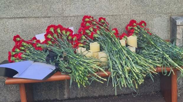Родственникам погибших в школе Казани направят средства до конца дня