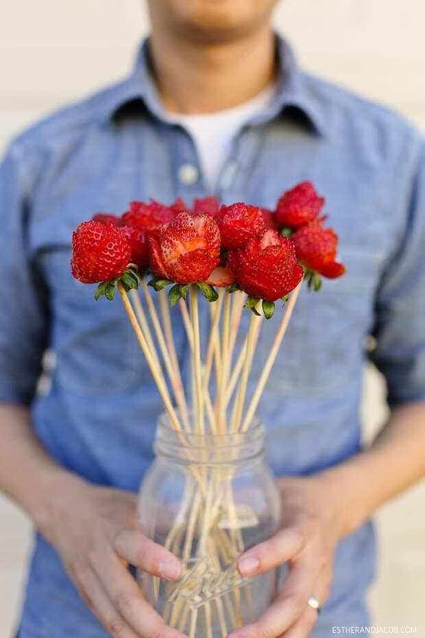 Розы из клубники (Diy)