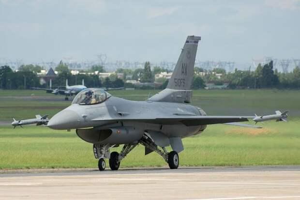В НАТО заявили о перехвате российских истребителей над Балтикой