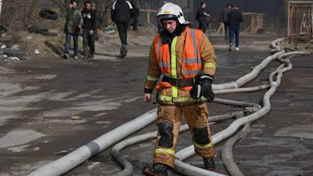 Кровля жилого дома загорелась в Екатеринбурге