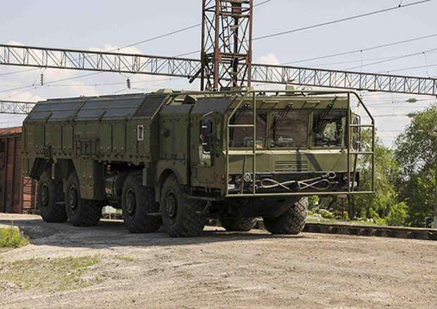 ОТРК «Искандер-М» возвращаются в пункт постоянной дислокации после военного парада в Нижнем Новгороде