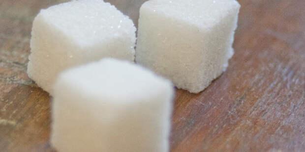 Диетолог рассказала о последствиях полного отказа от сахара