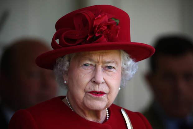 Королева запретила Меган Маркл носить джинсы