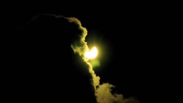 Российским спутникам удалось заснять кольцеобразное солнечное затмение