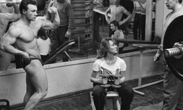 Тренировка советских культуристов