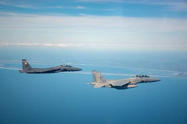 США испытали новый истребитель F-15EX в учебных воздушных боях на Аляске