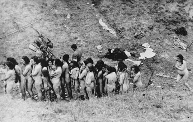 14. Еврейки на Украине в ожидании своей казни