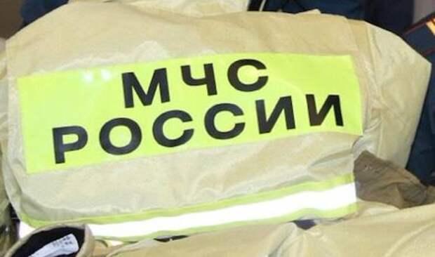 Три человека пострадали при пожаре в жилом доме на севере Москвы