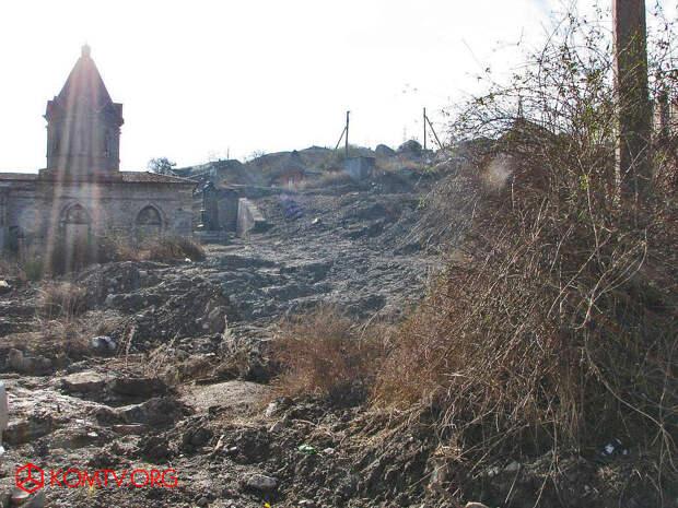 Застройка армянского кладбища в Феодосии и бездействие властей стали причиной серьезного конфликта