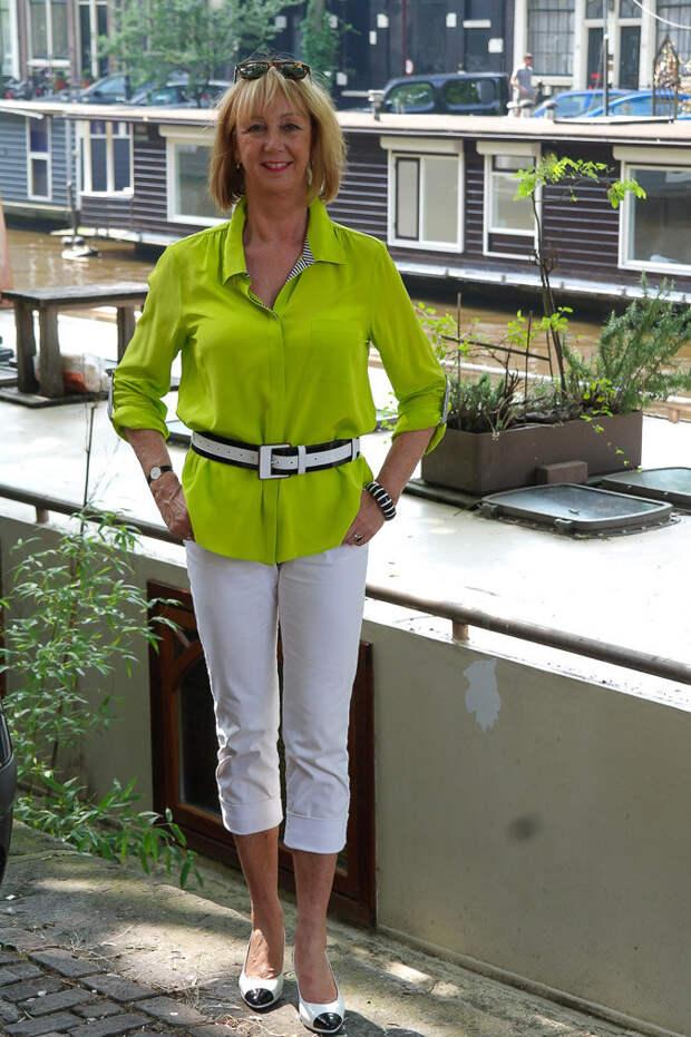 Пенсионерка носит капри. /Фото: nofearoffashion.com