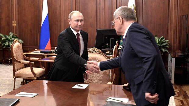 Путин продлил Чайке срок госслужбы