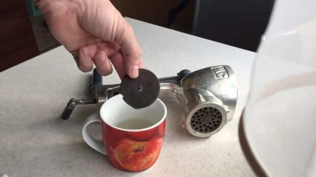 Супербыстрый и простой способ заточить ножи на советской мясорубке