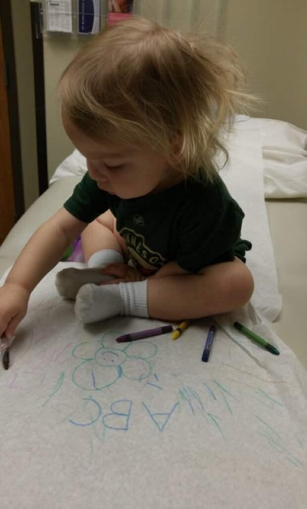 11. «Когда идёте к доктору, захватите с собой карандаши и большой лист бумаги» Хитрость, дети, идея, полезно, родители, совет, фантазия