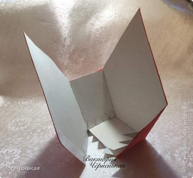Мастер-класс Свит-дизайн Новый год Моделирование конструирование Домик-часики из конфет Мастер класс Бумага гофрированная фото 7