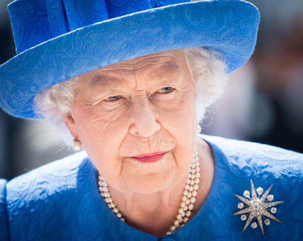 Какой титул Елизавета II запретила давать своим потомкам?