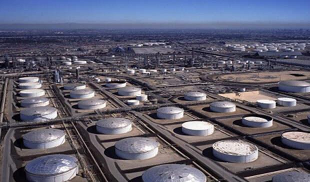 Значительнее, чем ожидалось, упали запасы нефти вСША