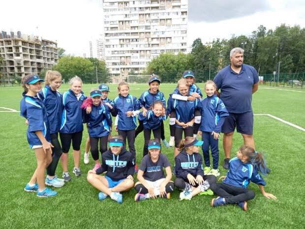 Команда из Лосинки заняла третье место в первенстве Москвы по софтболу