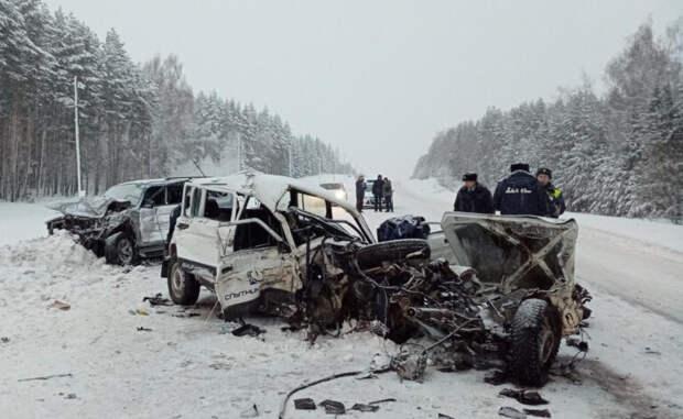 Столкновение попуток: водитель и пассажир «Нивы» скончались в больнице