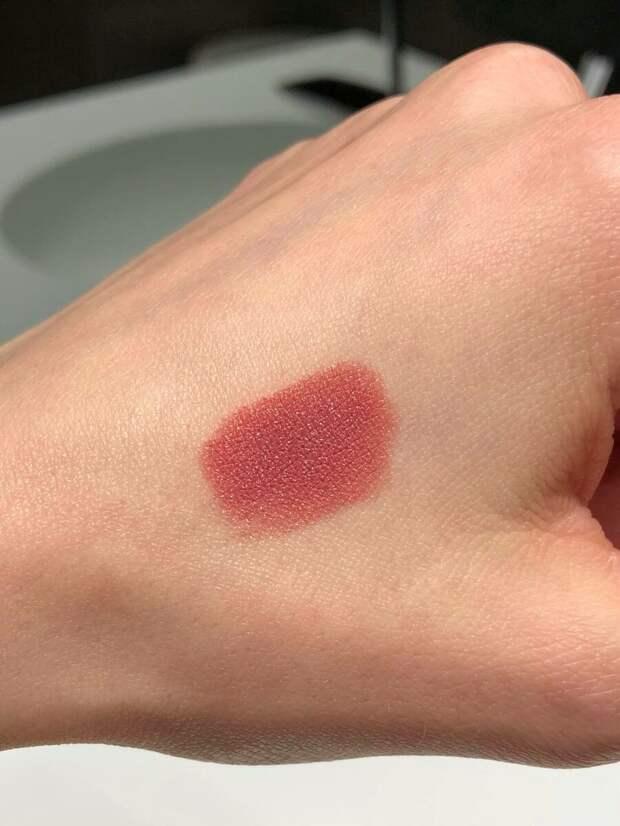 Hourglass Confession Ultra Slim High Intensity Refillable Lipstick Помада для губ в оттенке I've Kissed