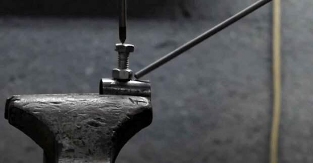 Как быстро и точно разметить круглую трубу при помощи самодельного приспособления