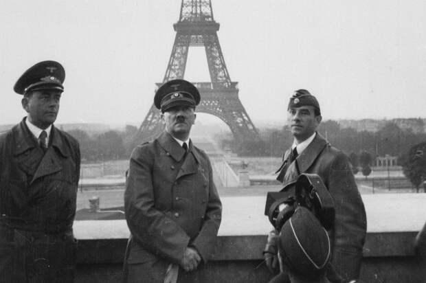Гитлер в оккупированном Париже, 1940 год. /Фото: nationalinterest.org