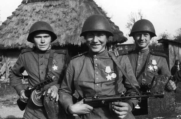 Боевая Подруга: как создавалась солдатская каска