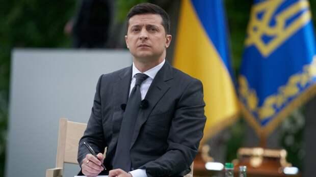 Зеленский считает, что стал более жестким политиком