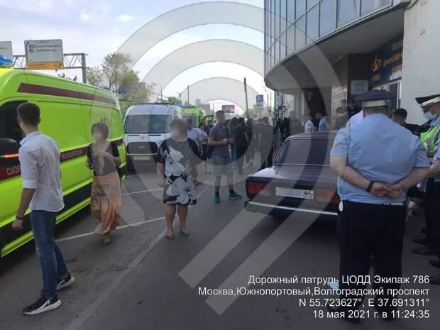 Подросток на «Жигулях» вылетел на тротуар и сбил четырех человек в Москве