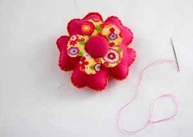 оформляем цветок для подвески