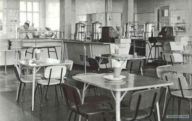 Пережиток «советского общепита» в современных заведениях. Надо ли «относиться с пониманием»