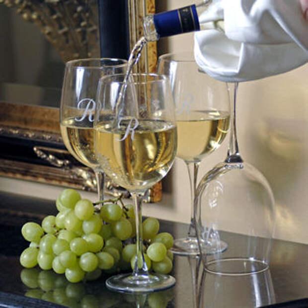 http://www.winewhite.ru/img/wine-white.jpg