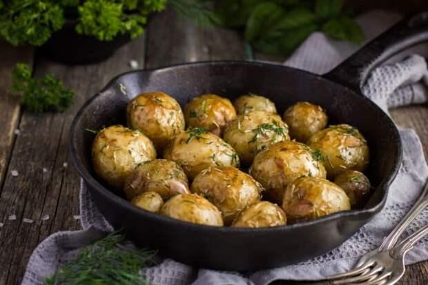 Печеная картошка - пальчики оближешь!