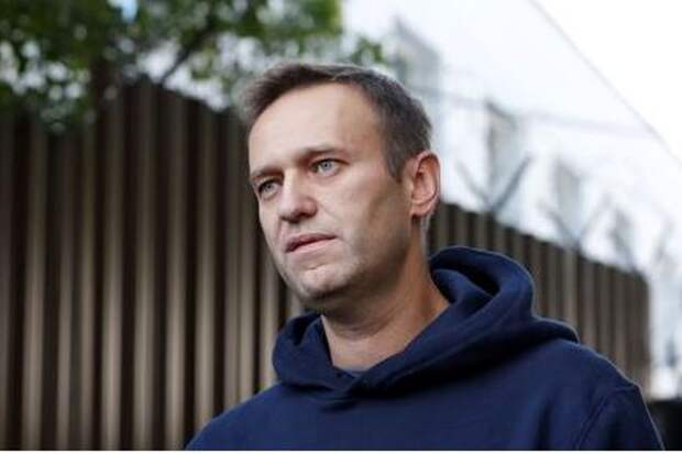 Russian opposition leader Alexei Navalny speaks with journalists after he was released from a detention centre in Moscow, Russia August 23, 2019. REUTERS/Evgenia Novozhenina