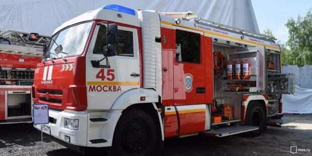 В подъезде дома на Зеленоградской ликвидировали пожар